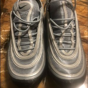 EUC black n silver air max